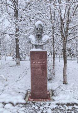 Бюсты в Парке Победы - Белореченск (2).jpg