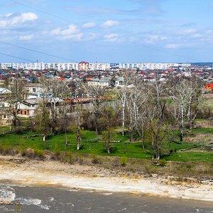 Вид на город и реку Белую