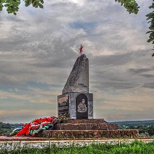 Мемориал в х. Ивановский (18)